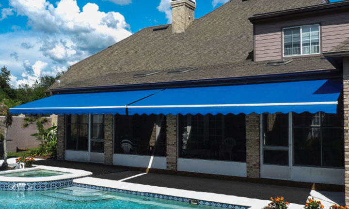 Sunesta Sunlight retractable awning